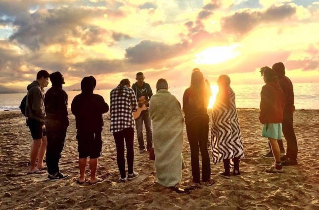 ap beach worship (1)